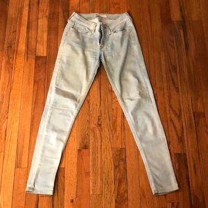 Light wash denim Levi jeans
